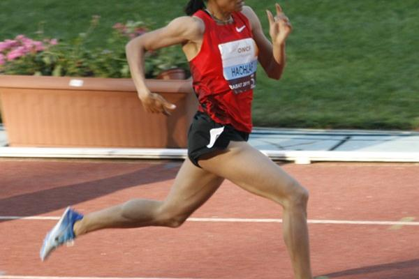 Halima Hachlaf previals in the Rabat 800m (Bob Ramsak)