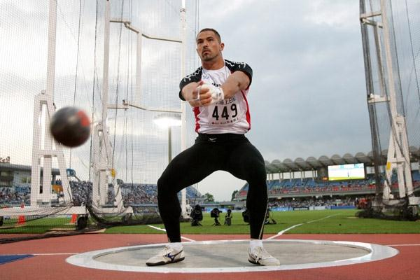Koji Murofushi returns to action with a 80m+ throw in Kawasaki (Kazutaka Eguchi/Agence SHOT)