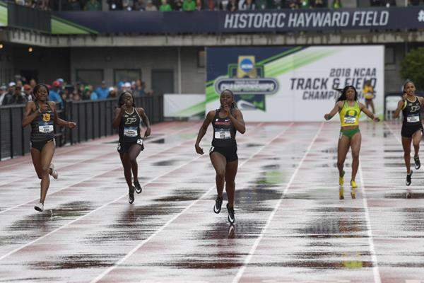 Lynna Irby en route to the 2018 NCAA 400m title (Kirby Lee)