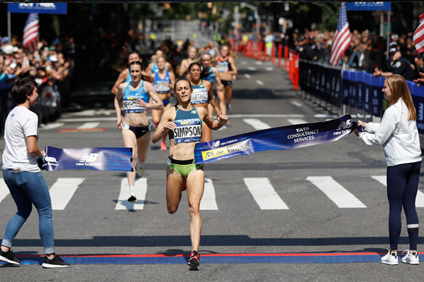 Jenny Simpson wins the Fifth Avenue Mile (Courtesy of NYRR)