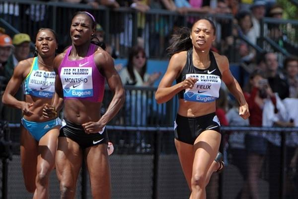 Allyson Felix wins the 2010 Prefontaine Classic 400m in Eugene (Kirby Lee)