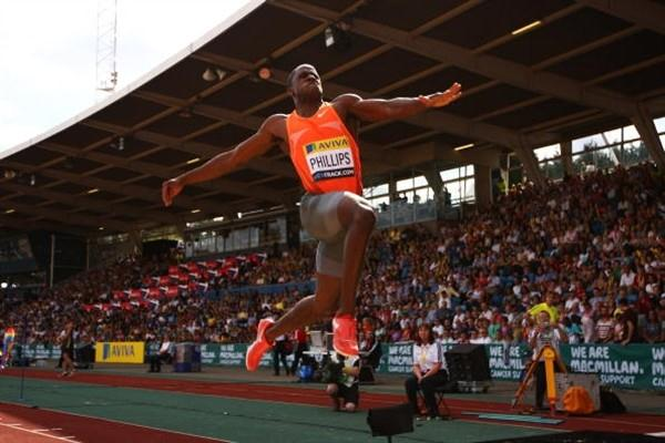 Dwight Phillips unapproachable in the Long Jump in London (Getty Images)