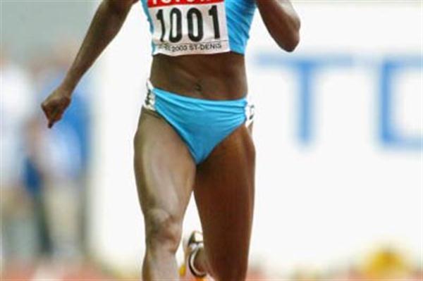 Merlene Ottey in action in the women's 100m heats (Getty Images)