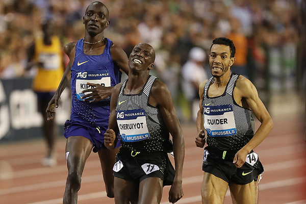 Timothy Cheruiyot wins the 1500m at the IAAF Diamond League final in Brussels (Giancarlo Colombo)