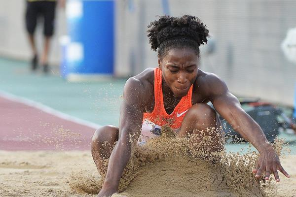 Long jump winner Tianna Bartoletta at the 2015 IAAF Diamond League meeting in Doha (DECA Text & Bild)