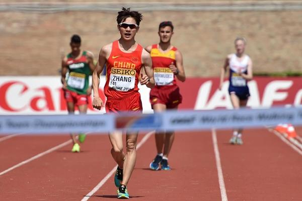 Zhang Jun approaches the finish line in the U20 men's 10km at the IAAF World Race Walking Team Championships Rome 2016 (Getty Images)