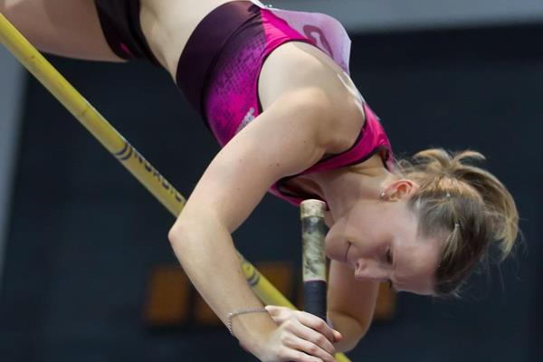 Anzhelika Sidorova at the 2014 Russian indoor championships (Alexander Kiselev / www.sportphoto.ru)