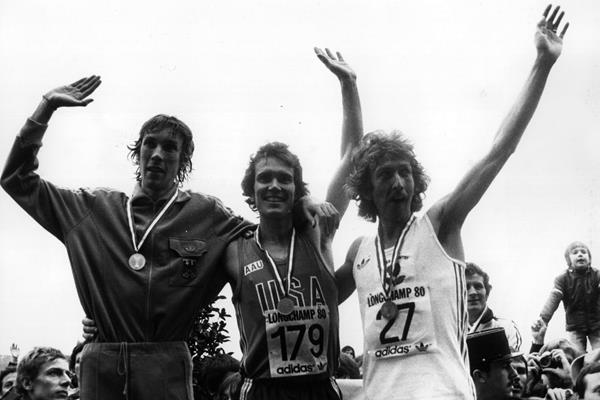 1980 World Cross Country Championships podium: winner Craig Virgin of the US (c), silver medallist Hans-Juergen Orthmann of Germany (l) and bronze medallist Nick Rose (r) of England (Getty Images)