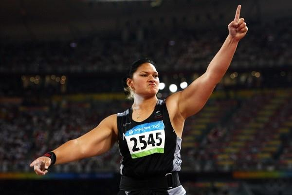 Valerie Vili adds the Olympic crown to her world title (Getty Images)