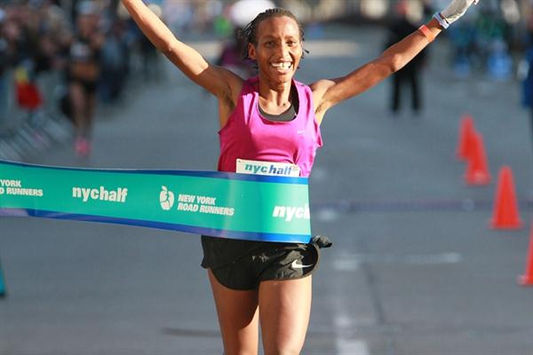 Caroline Rotich takes the New York City Half Marathon (Lisa Coniglio/New York Road Runners)