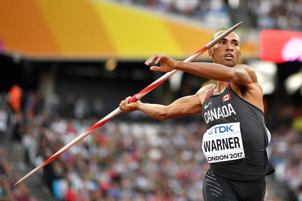 Damian Warner in the decathlon javelin at the IAAF World Championships London 2017 (AFP / Getty Images)