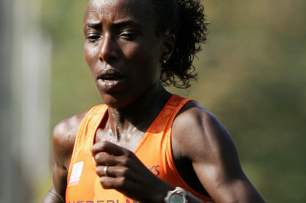 Lornah Kiplagat in action at the 2006 IAAF Road Running Championships in Debrecen (Getty Images)