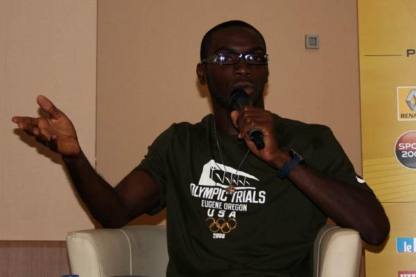 Kerron Clement at the pre-meet press conference in Paris (Bob Ramsak)