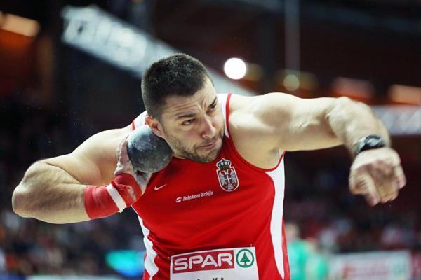 Asmir Kolasinac takes the European Indoor Shot title (Getty Images)