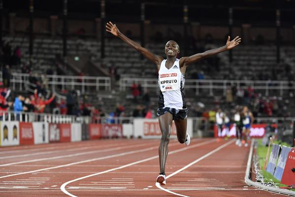 All smiles - big 10,000m victory for Rhonex Kipruto in Stockholm (Hasse Sjogren)