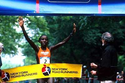 Lornah Kiplagat wins the New York 10km (Victah Sailer)