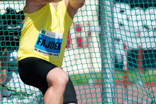 Pawel Fajdek takes his first national senior title with an 80.32m throw (Marek Biczyk)