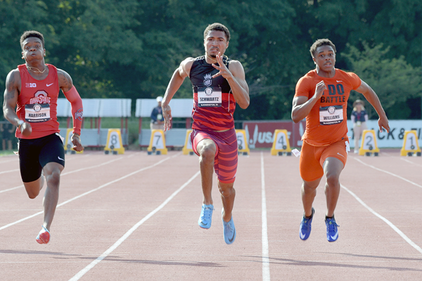 Anthony Schwartz wins the 100m at the US Junior Championships (Kirby Lee)