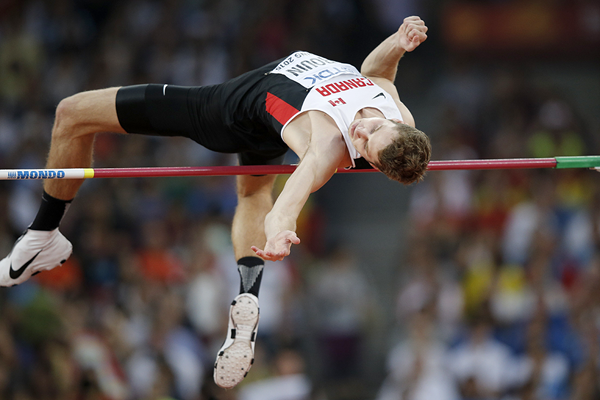 Derek Drouin in the high jump at the IAAF World Championships Beijing 2015 (AFP / Getty Images)