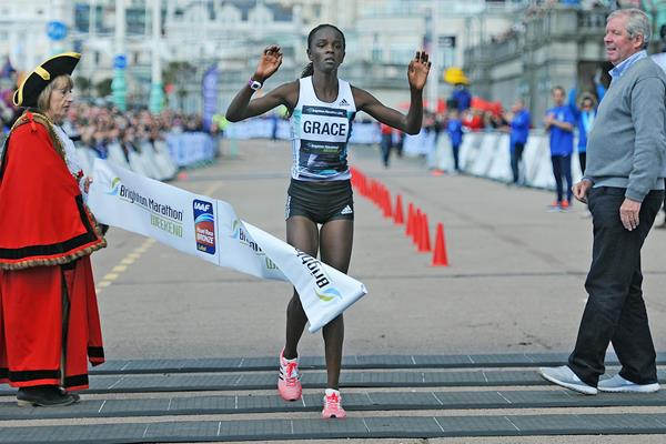 Grace Momanyi winning 2016 Brighton Marathon (Mark Shearman . organisers)