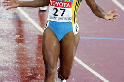 Tonique Williams-Darling of Bahamas takes 400m gold (Getty Images)