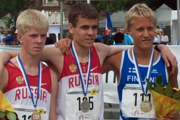 Metz Junior 10km: L-R: Stanislav Yemelyanov (Russia) Winner; Valery Filipchuk (Russia) Second; Veli-Matti Partanen (Finland) Third (Paul Warburton)