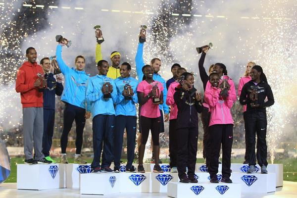 The 16 Diamond Race winners at the 2013 IAAF Diamond League final in Brussels (Jean-Pierre Durand / IAAF)