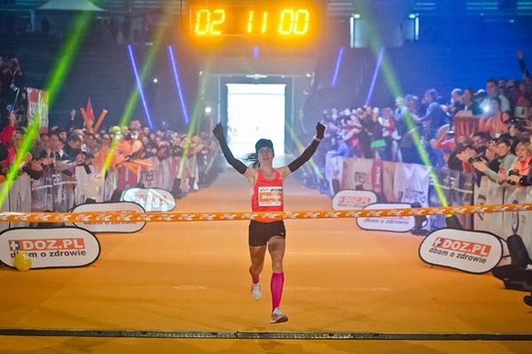 Monika Stefanowicz wins the Lodz Marathon (SportoGrafia.pl)