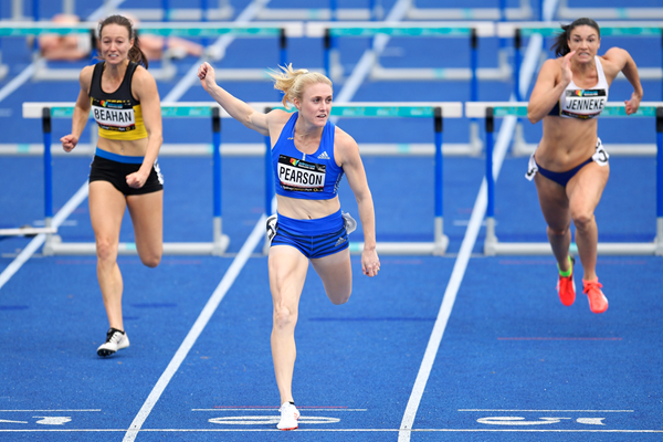 Sally Pearson wins the 100m hurdles at the Australian Championships (Getty Images)