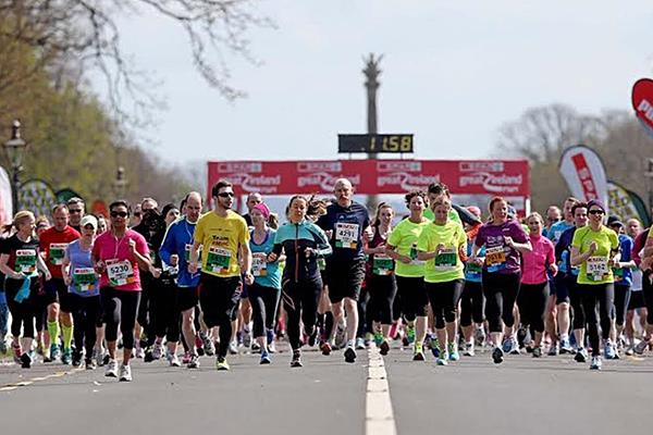 Competitors in the 2015 SPAR Great Ireland Run (The Great Run Company)