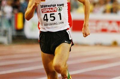 Jan Fitschen in the 10,000m homestretch in Gothenburg (Getty Images)