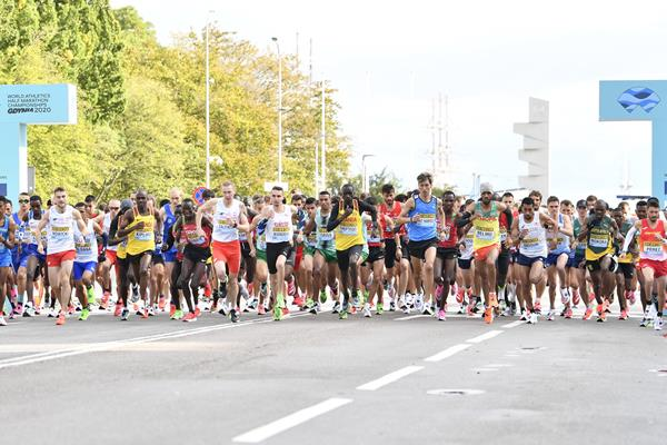 The start of the men's race at the World Athletics Half Marathon Championships Gdynia 2020 (Getty Images)