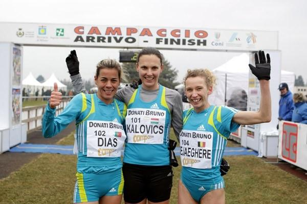 Anniko Kalovics of Hungary celebrates winning the Campaccio Cross Country race (Giancarlo Colombo)
