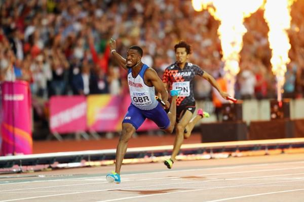 Nethaneel Mitchell-Blake anchors Britain to victory in the 4x100m at the IAAF World Championships London 2017 (Getty Images)