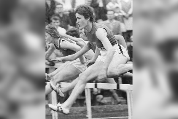 German sprint hurdler Karin Balzer (Ulrich Kohls / German Federal Archives)