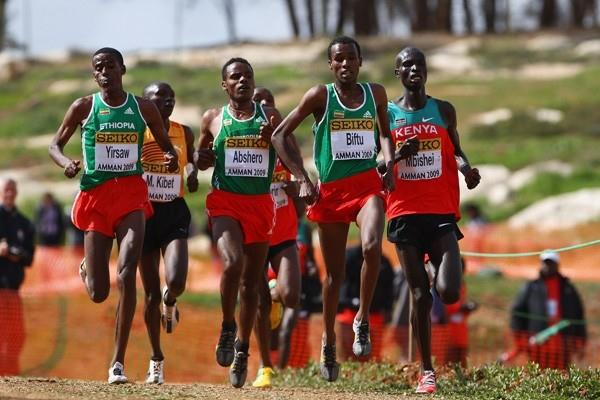 Ethiopia's Gashaw Biftu leads from team-mate and eventual winner Ayele Abshero (Getty Images)
