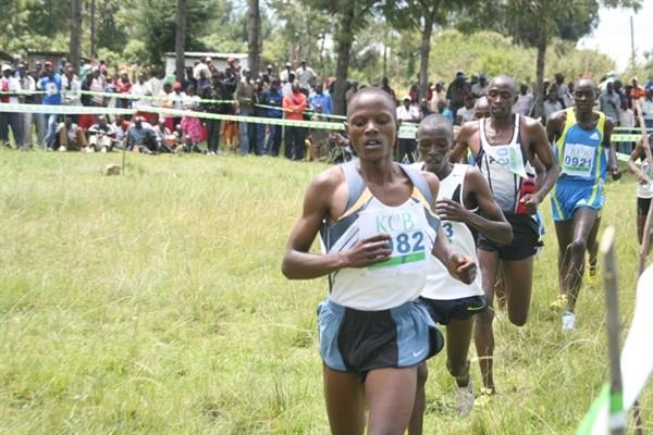 John Chepkwony en route to victory at the second KCB/AK meeting in Kipkelion (13 November) (Mutwiri Mutuota)