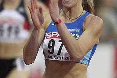 Manuela Levorato celebrates Munich medal (Getty Images Allsport)