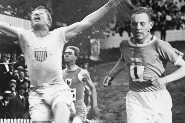 Charley Paddock and Paavo Nurmi (Gallica Digital Library/Getty Images)