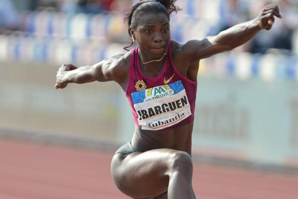 Caterine Ibarguen on her way to a triple jump meeting record in Hengelo (Erik van Leeuwen)