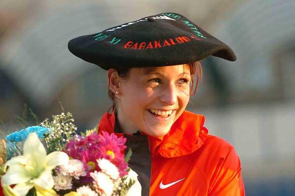 Germany's Sabrina Mockenhaupt celebrates her victory at the 2005 European Cup 10,000m (Hasse Sjögren)