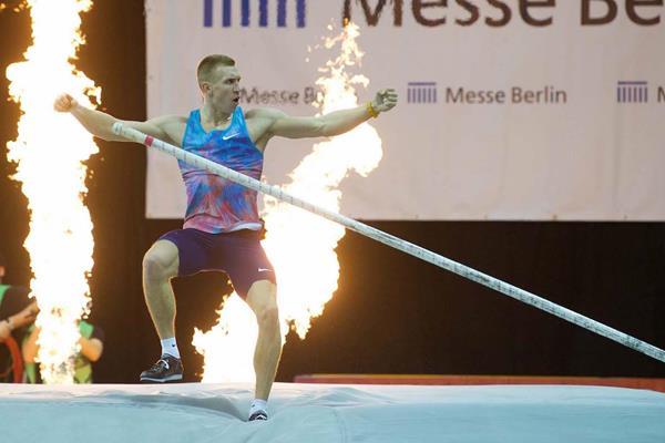 Piotr Lisek in Berlin (organisers)