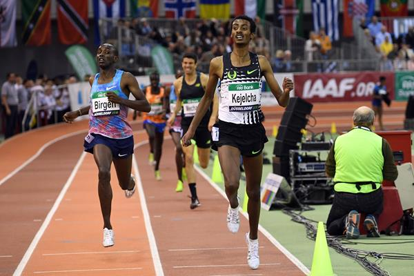 Yomif Kejelcha crosses the line in 7:40.55 at the PSD Bank Meeting Düsseldorf (Gladys Chai von der Laage)