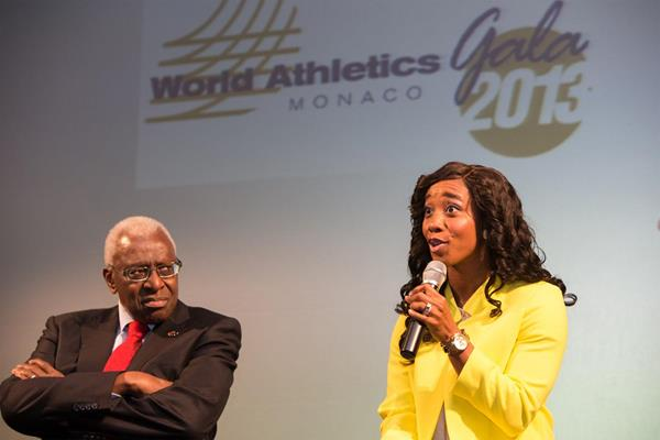 Shelly-Ann Fraser-Pryce talks to the press after winning the 2013 IAAF World Athlete of the Year award (Philippe Fitte)