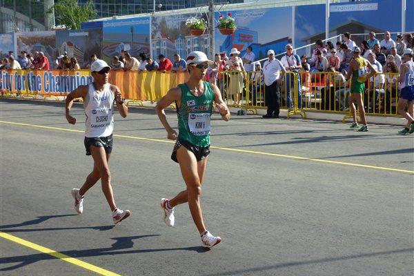Hyunsub Kim of Korea and Andres Chocho of Ecuador in the men's 50km in Saransk (IAAF)