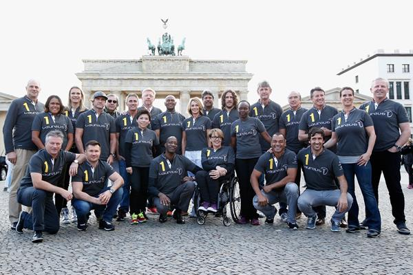 Laureus World Sports Academy Members gather at Berlin's Brandenburg Gate (Getty Images)