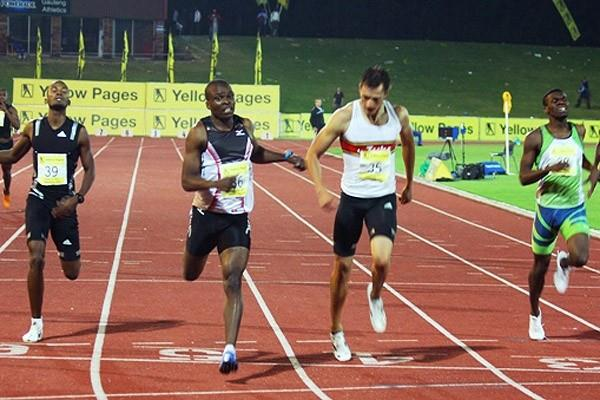 Talkmore Nyongani takes the 400m in Germiston (Mark Ouma)