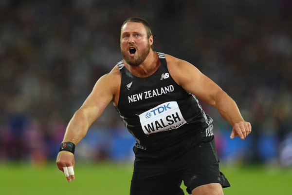Tom Walsh celebrates shot put gold  ()