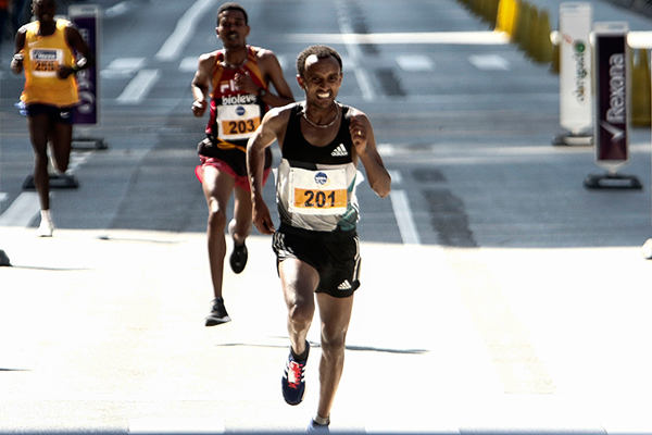 Ethiopia's Leul Gebresilase on his way to victory (AFP / Getty Images)