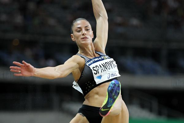 Ivana Spanovic winning the long jump in the IAAF Diamond League meeting in Paris (Jiro Mochizuki)